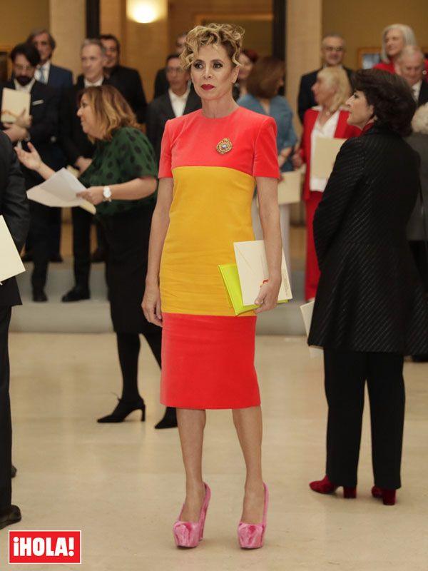 Ágatha Ruiz de la Prada elige un diseño patriótico para recoger su Premio Nacional Prada, Dresses For Work, Carrera, 1, Fashion, Spring Summer, Fall Winter, Red Tights, Spain Flag