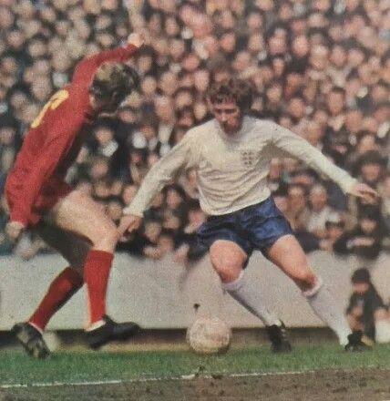 Wales 1 England 1 in May 1970 at Ninian Park. Alan Ball takes on Alan Durban #HomeChamp