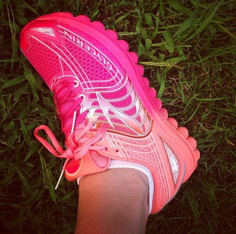 The new Brooks Ombre pack puts a twist on their most popular models. PC: @FitFoodieFinds