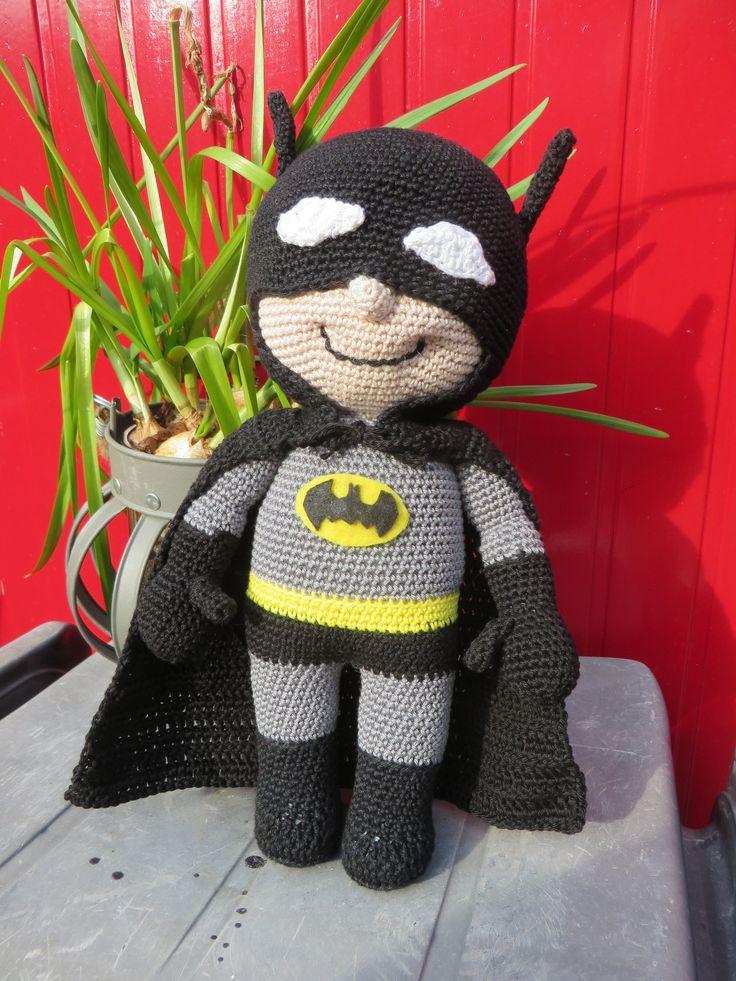Batman Cushion Knitting Pattern : Meer dan 1000 idee?n over Gehaakte Batman op Pinterest - Haken, Haakpatronen ...
