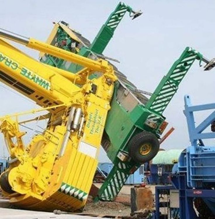 Overhead Gantry Crane Training Aberdeen : A liebherr t crane that tipped over to the left
