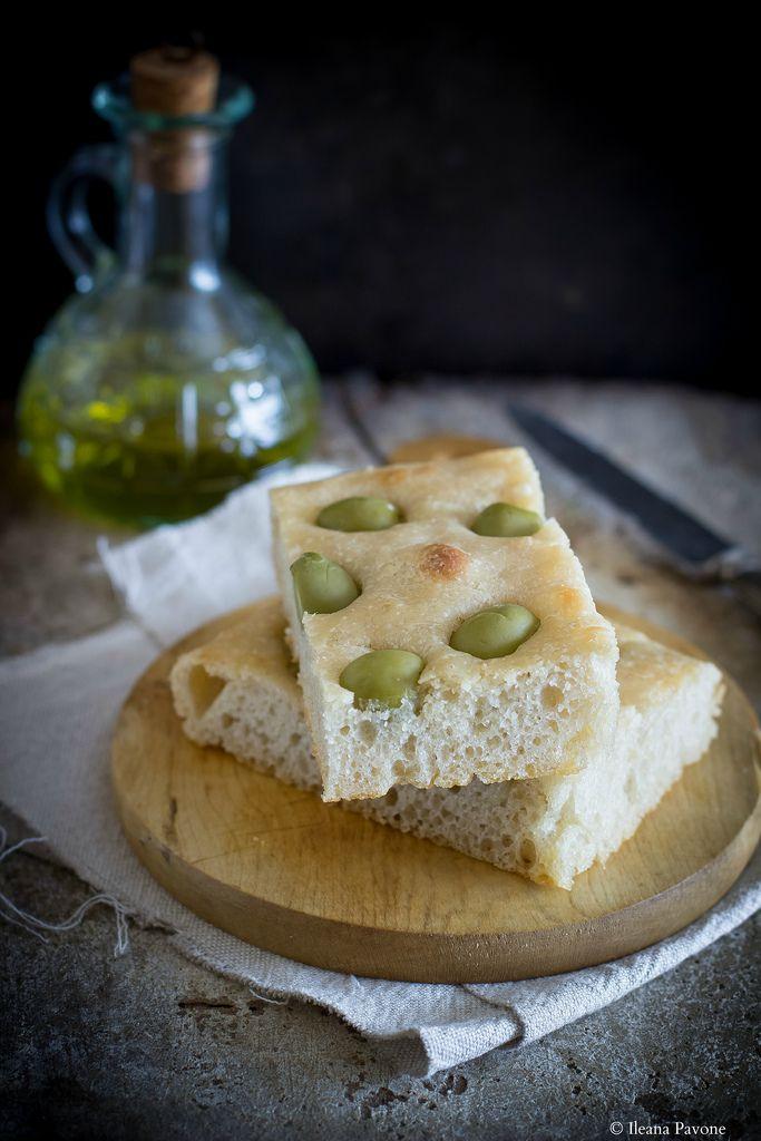 Focaccia con farina di farro alle olive