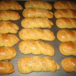 Koulourakia (traditionele Griekse boterkoekjes) @ allrecipes.nl