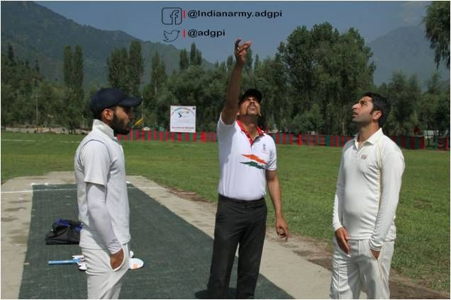 #IndianArmy organises 8th edition of Uri Cricket Premier League. 48 teams  participating from various villages of Uri http://Tehsil.pic.twitter.com/6Gapwgrxw5 #IndianArmy #Army