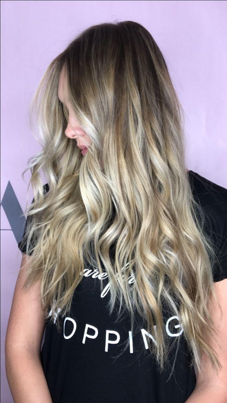 Beige balayage blondie