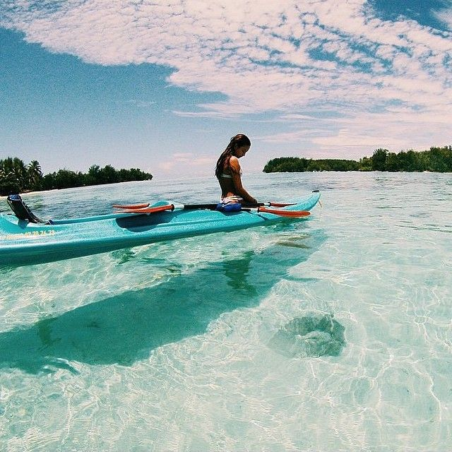 ☽ kayak in clear water ☾