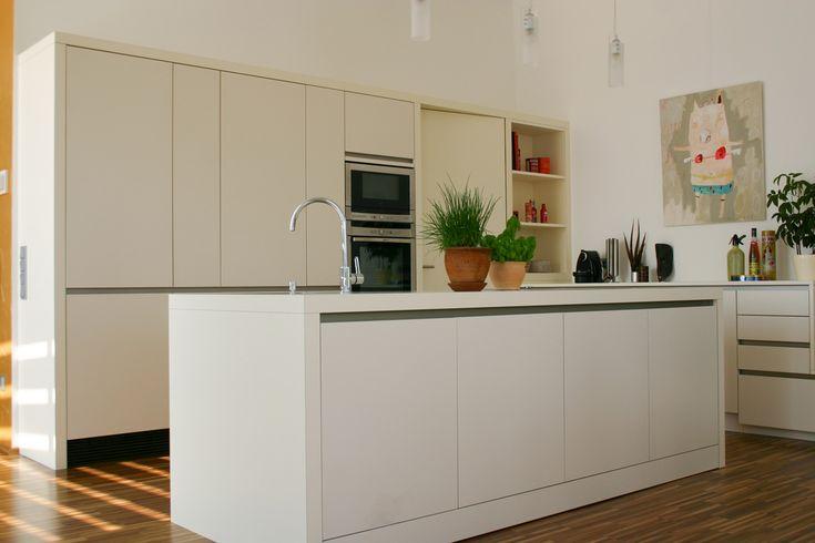 ber ideen zu anrichte wei auf pinterest. Black Bedroom Furniture Sets. Home Design Ideas