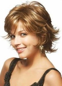 short-hairstyles-for-thick-wavy-hair-and-round-faces