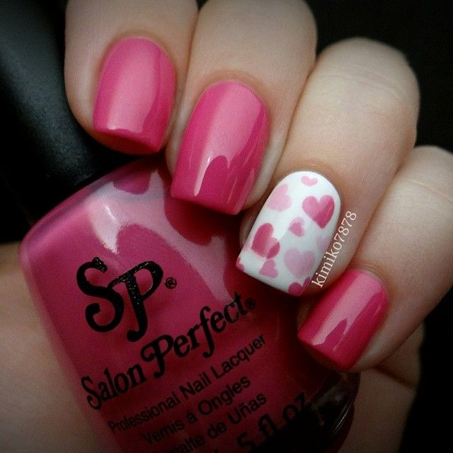Pink, heart nails.  Nail Art. Nail Design. Polishes. Polish, Romantic. Valentine's Day. by kimiko7878