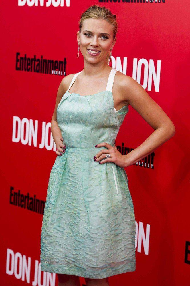 """Scarlett Johansson presenta """"Don Jon"""". A ogni apparizione è sempre più bella (FOTO, VIDEO)"""