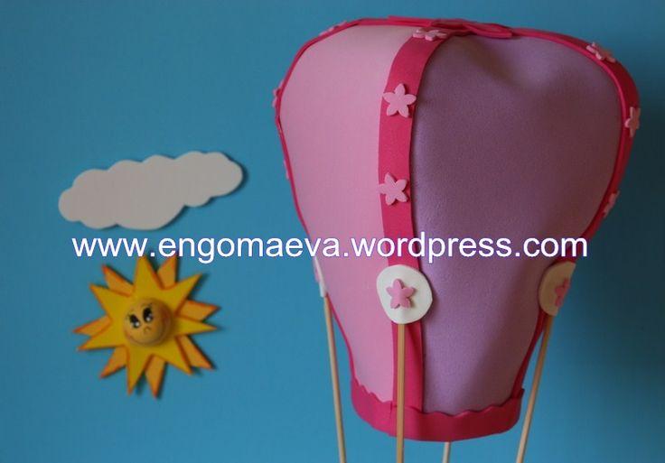 Cute hot air balloon, top (handmade with paper eva)  ---   Lindo globo aeroestático, parte de arriba (hecho a mano con goma eva).