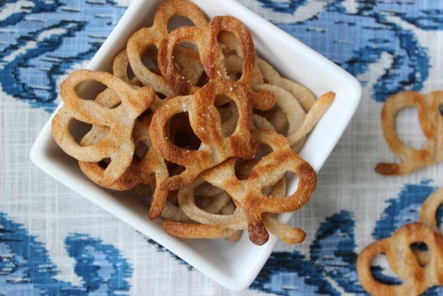 Crispy Snack Pretzels (Autoimmune Protocol Friendly) #paleo #glutenfree #autoimmunepaleo