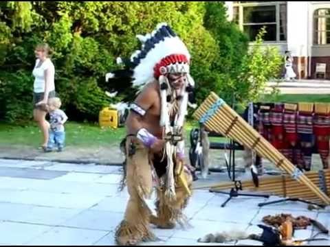 Alexandro Querevalu-Native American music-Poncho-Świnoujście 2010