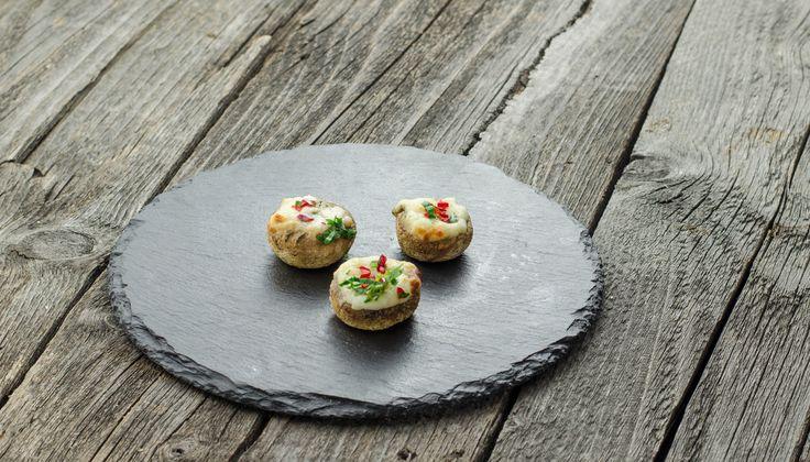Ciuperci umplute cu brânză