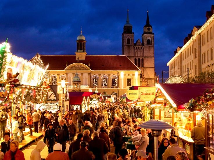 Weihnachtsmarkt (Christmas market) in Magdeburg, Germany