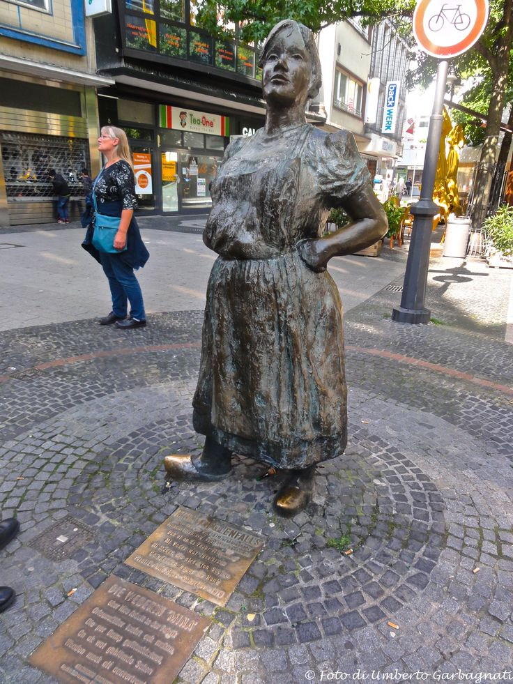 "... monumento in bronzo all'olandesina ""Mina"" ... Wuppertal (D) - 14/09/2014   - © Umberto Garbagnati -"