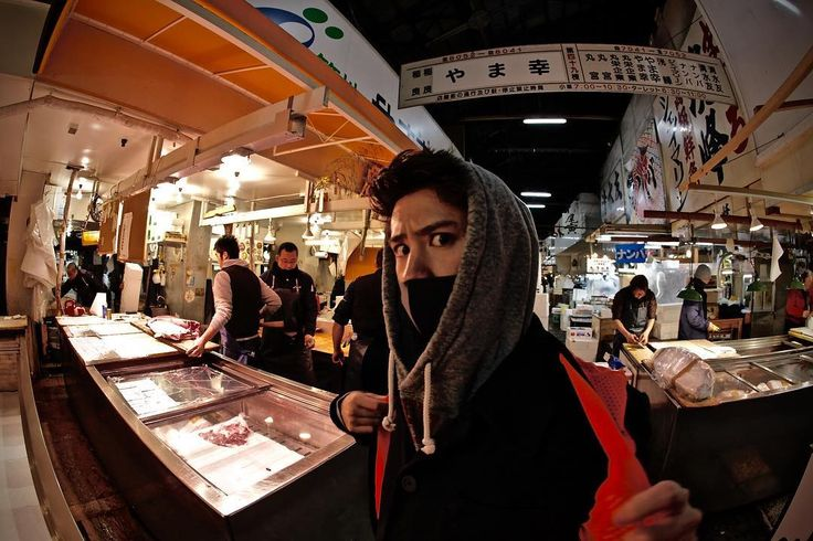 「Cruising around the deep inside of #tsukiji with @10969taka #tbt #oneokrock #thedevilisinthedetail #やま幸」