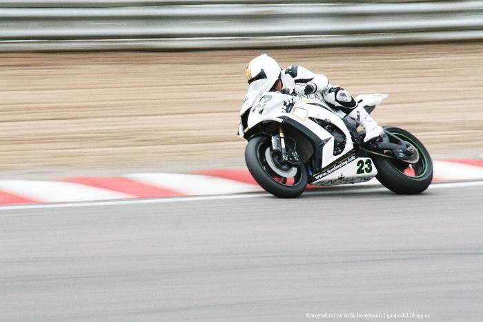 Pro Superbike-föraren Nikola Milovanovic på Knutstorp. #racing #motorsport #kawasaki #bike #motorcycle #motorcykel #speed #photography #foto