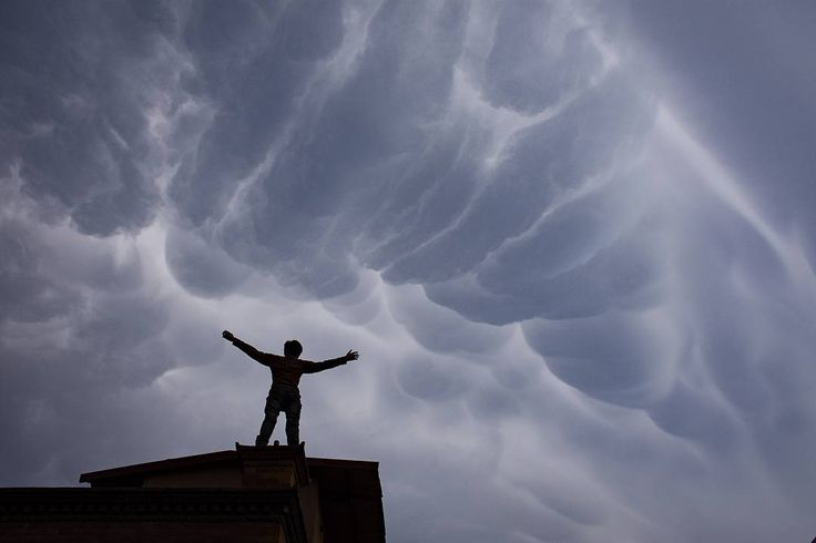 The Mammatus clouds seen on the sky of Kathmandu today… #mammatusclouds #clouds #cloudscape #kathmandu #nepal #photosoftheday #instapic #instaphoto #cloudsphotography #photosofnepal (at Durbar Marg)