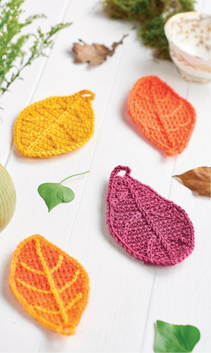 121 best crochet leaves images on pinterest patterns buntings find out how to make a autumn leaves with this free crochet pattern from top crochet patterns bankloansurffo Image collections