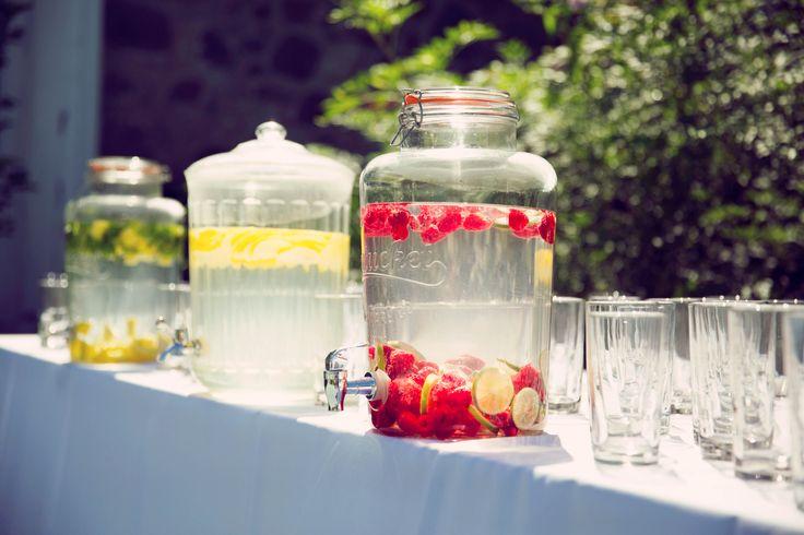 outdoor wedding, drinks