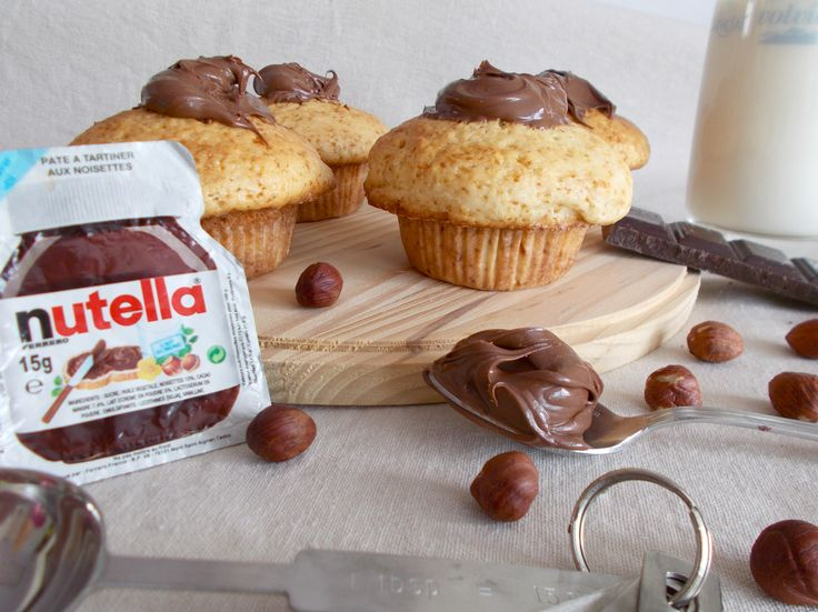 C'est ma référence en matière de muffin : les muffins gourmand du Colombus café ! Ils sont énormes, avec un bon goût de vanille et un cœur et un topping au nutella. La mie est archi moelleuse et humide. C'est certes très classique mais c'est vraiment mon âme sœur du muffin. J'ai …