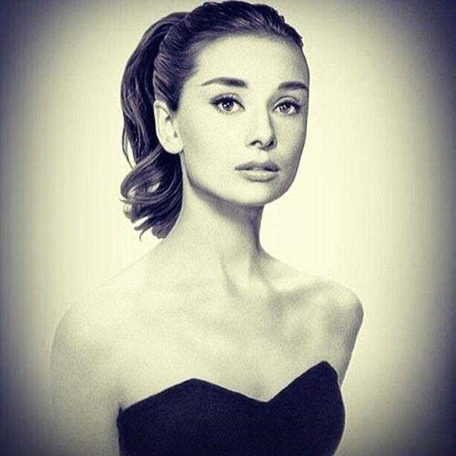 Audrey Hepburn....She's so pretty!