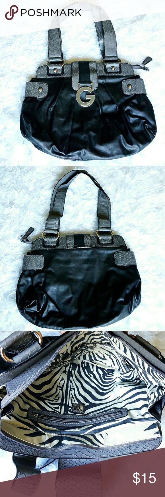 Guess Black and Grey Purse Guess Black and Grey Shoulder Bag in excellent condition! Used once! Guess Bags Shoulder Bags