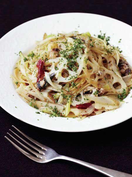 【ELLE a table】根菜のバターしょうゆ味 和風パスタレシピ|エル・オンライン