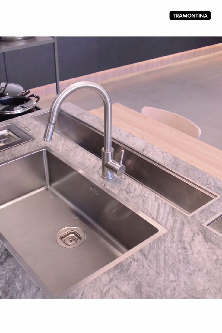 Modern Kitchen Sinks, Kitchen Pantry Design, Modern Kitchen Design, Home Decor Kitchen, Interior Design Kitchen, Home Kitchens, Kitchen Sink Ideas Undermount, Smart Kitchen, Luxury Kitchens