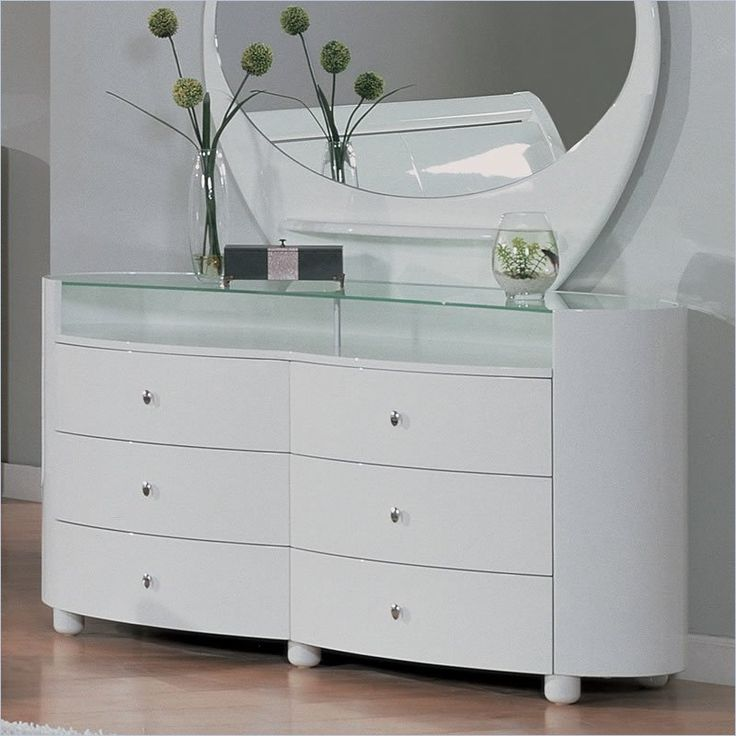 Evelyn White Glossy Dresser and Mirror Set   Global Furniture US. 68 best Bedroom Dressers images on Pinterest   Bedroom dressers