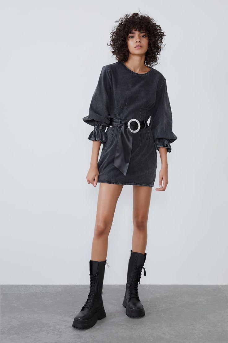 Jeanskleid mit gürtel und schmuckstein | Jeans kleid ...