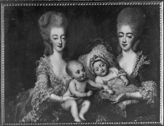 comtesse d'Artois and the comtesse de Provence with the children of d'Artois. 18th century.