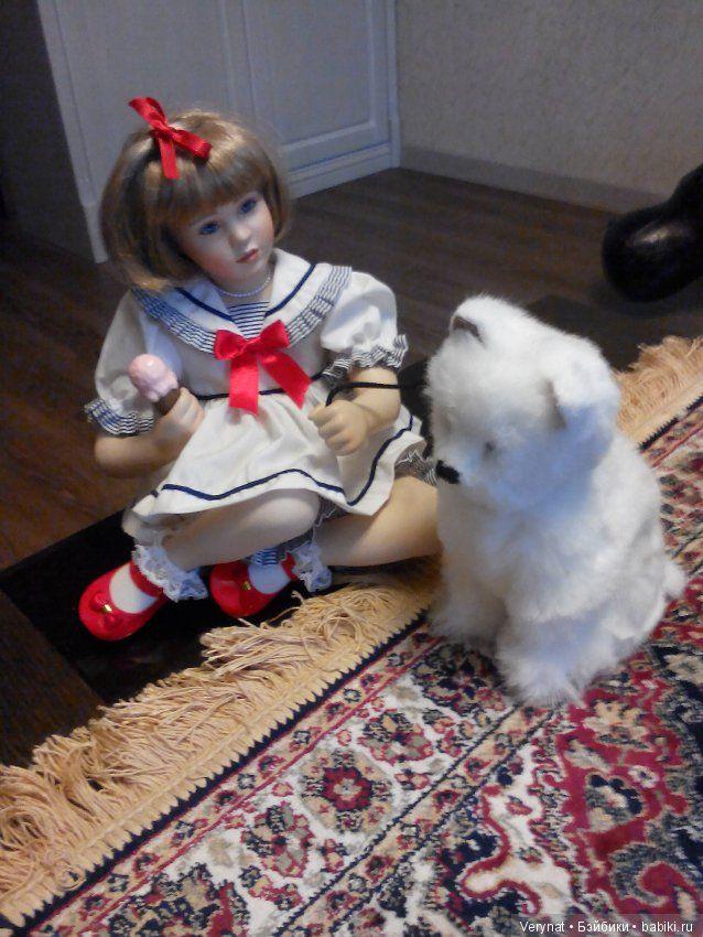 Симпатичная девочка Маделайн с другом Гарри. / Фарфоровые куклы / Шопик. Продать купить куклу / Бэйбики. Куклы фото. Одежда для кукол