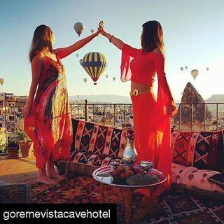 Reposting @viajesconflow: Fotos molonas por @goremevistacavehotel 💓 #sunrise #sun #beauty #friends #colours #colors #traveller #travel #travelphotography #blogger #instadaily #instagram #instagood #chill #pose #trip #holidays #vacaciones #viagem #viajar #voyage #여행 #путешествовать #earthscovery #turkportal #viajesconflow #love #tlpicks #photoanatolia
