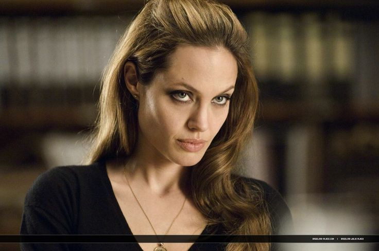 Wanted : Movie still & Promotional - Angelina Jolie Wanted 15 - Angelina Jolie Photo