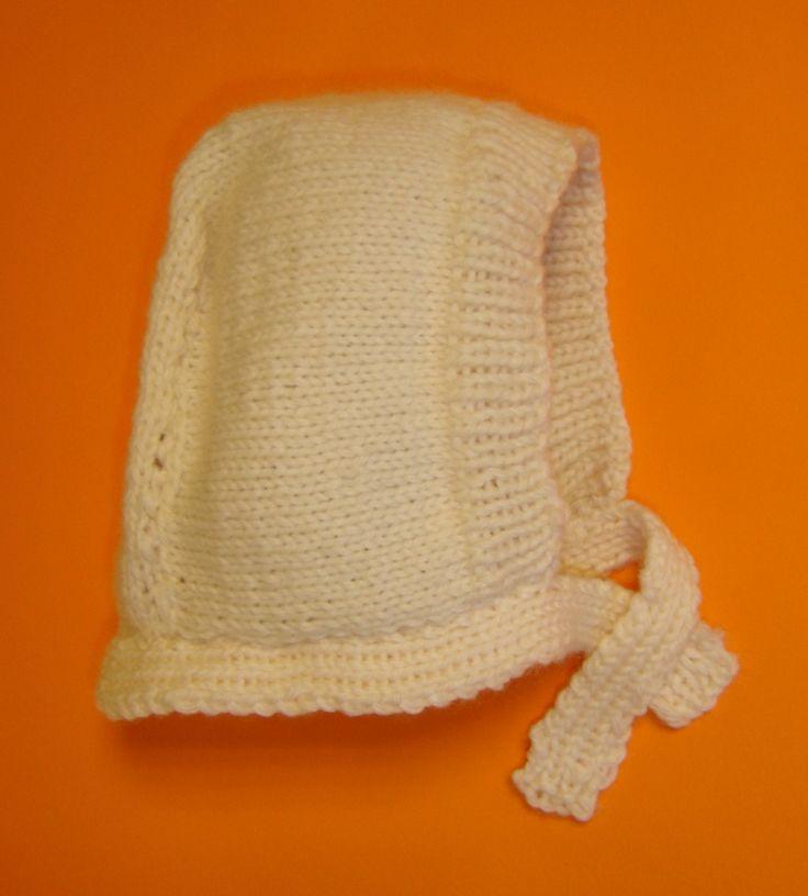 Eh oui, je continue dans mes réalisations pour bébé (toujours pour 3 mois) et je vous présente ce sympathique béguin très facile à tricoter. 3 mois, 6 mois, 12 mois, 18 mois, 2 ans Nombre de pelotes : 1 pelote Échantillon : 25 m. x 34 rgs Aiguilles :...