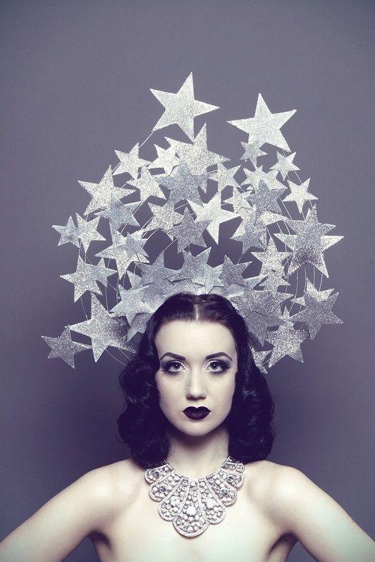 British burlesque performer, Eliza DeLite and her Ziegfeld Girl routine http://www.burlexe.com/eliza-delite-burlesque-gifs/