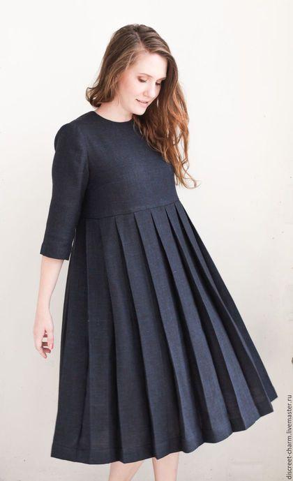 Wool dress / Платья ручной работы. Ярмарка Мастеров - ручная работа. Купить Тёмно-синее платье с юбкой в складку, длинный рукав, свободный силуэт. Handmade.