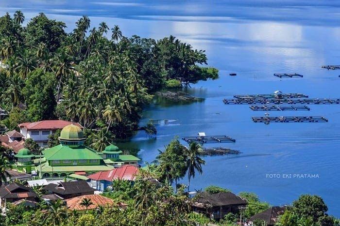 Gambar Danau Yang Indah Danau Maninjau Yang Indah Wajib Di Kunjungi Nih Inilah Tujuh Destinasi Wisata Di Sekitar Danau Toba 10 Dana Danau Gambar Pemandangan
