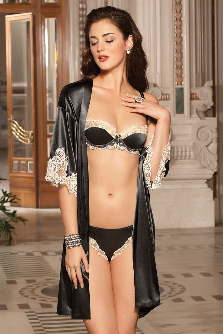 10 best images about lise charmel lingerie on pinterest indigo tropical and chic. Black Bedroom Furniture Sets. Home Design Ideas