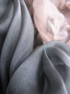 Silk Organza draped flowers / Maleen Dalan