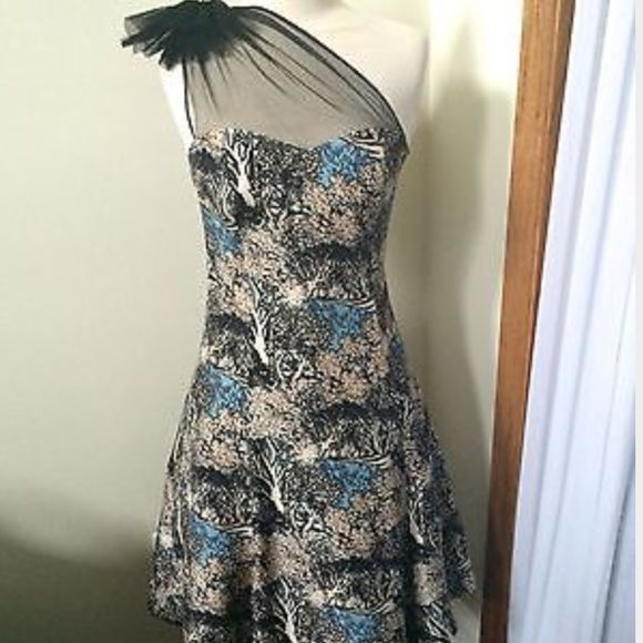 Tracy Reese dress size 2 Size 2 runs a little big. Could fit a 4 easily I think. Perfect condition. Bought this originally from anthropologie. Tracy Reese Dresses One Shoulder
