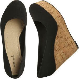 black summer wedges: Summer Sandals, Cravings Summer, Black Summer, Clothing Sho, Black Corks, Corks Wedges, Black Canvas, Shoes 3, Summer Wedges
