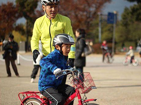 姫路で子ども向け自転車教室-欧州流カリキュラムで40人受講(写真ニュース)