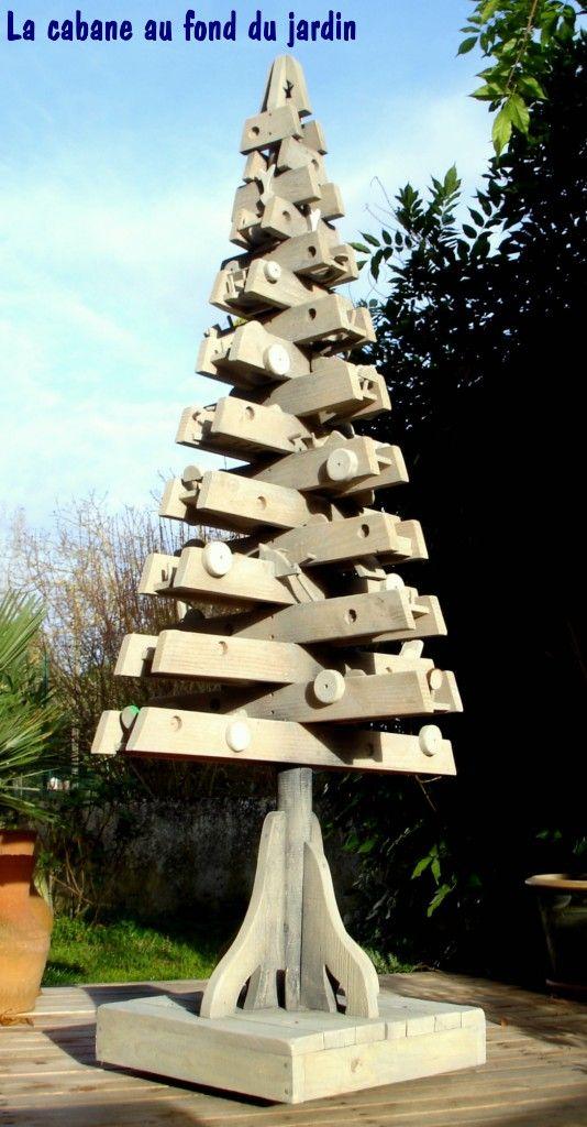 Le Sapin Perd La Boule / Pallet Outdoor Christmas Tree Pallet Home Decorations