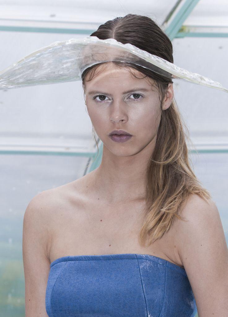 L U N U L A Biofashion project by Kim van Klaveren & Nadine Bongaerts | Photography: Melissa Koelewijn | Model: Iris Seltenrijch