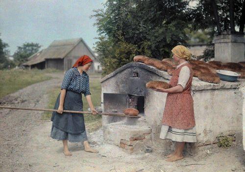 Kenyér sütés akemencében - Hungary