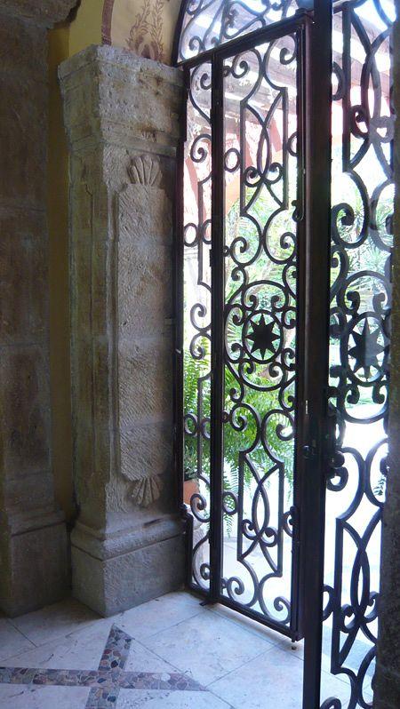 ♥: Wrought Irons Doors, Beautiful Wrought, Wrought Irons Gates, Gates Sets, Front Doors, Beautiful Doors, Beautiful Irons, Gates Doors, Entrance Irons