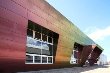 Alucobond: Spectra colour scheme. Colour changes according to viewing angle and reflection.
